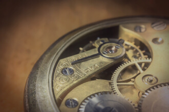 How Watch Movements Work: Quartz vs Mechanical